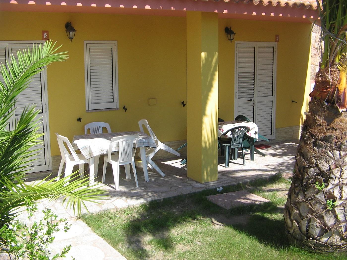 Badesi 2 zimmer-Wohnung mit Panoramablick 3 stück