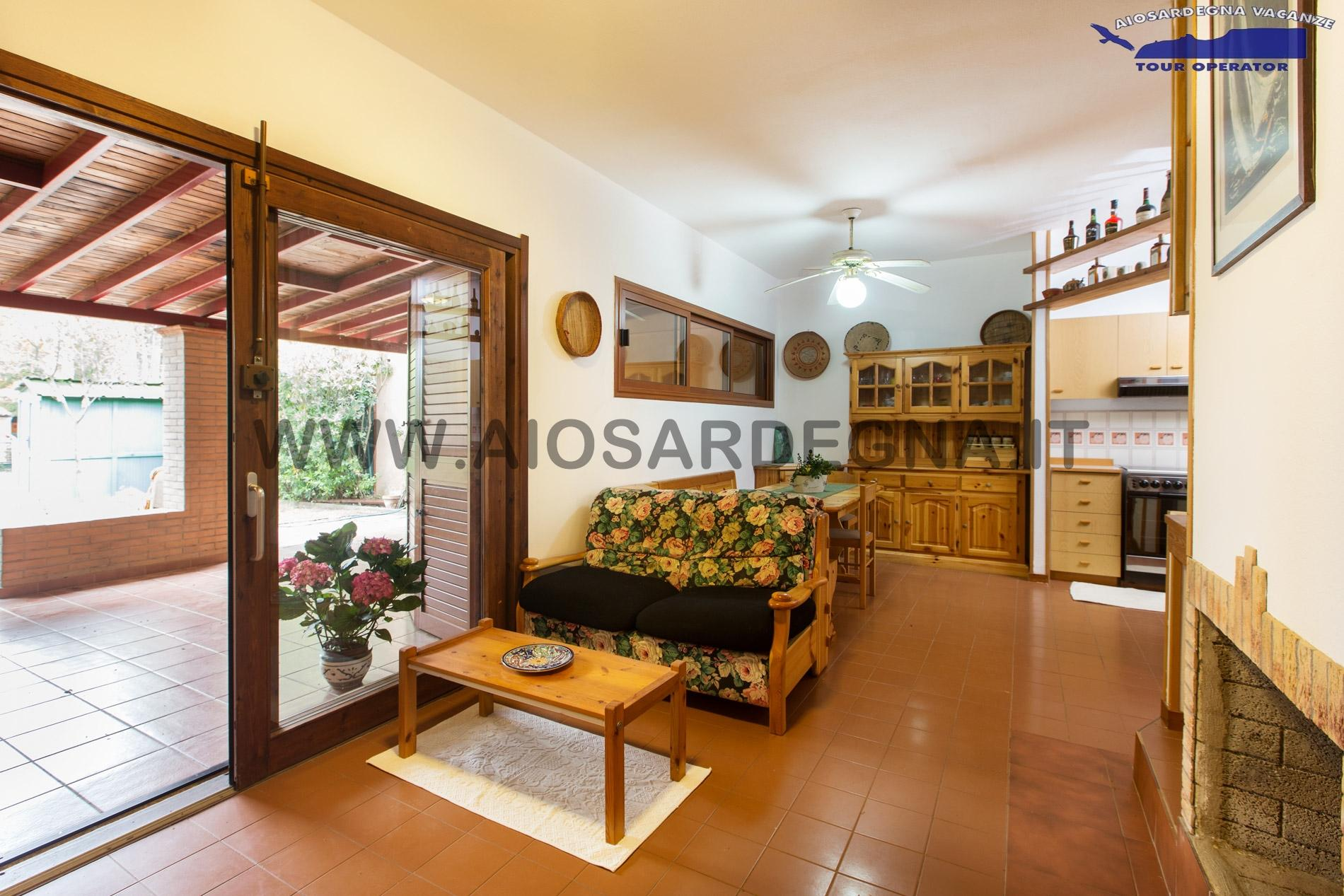 Villa in Schiera La Saia Pineta is Morus Santa Margherita Pula 350 m from the beach