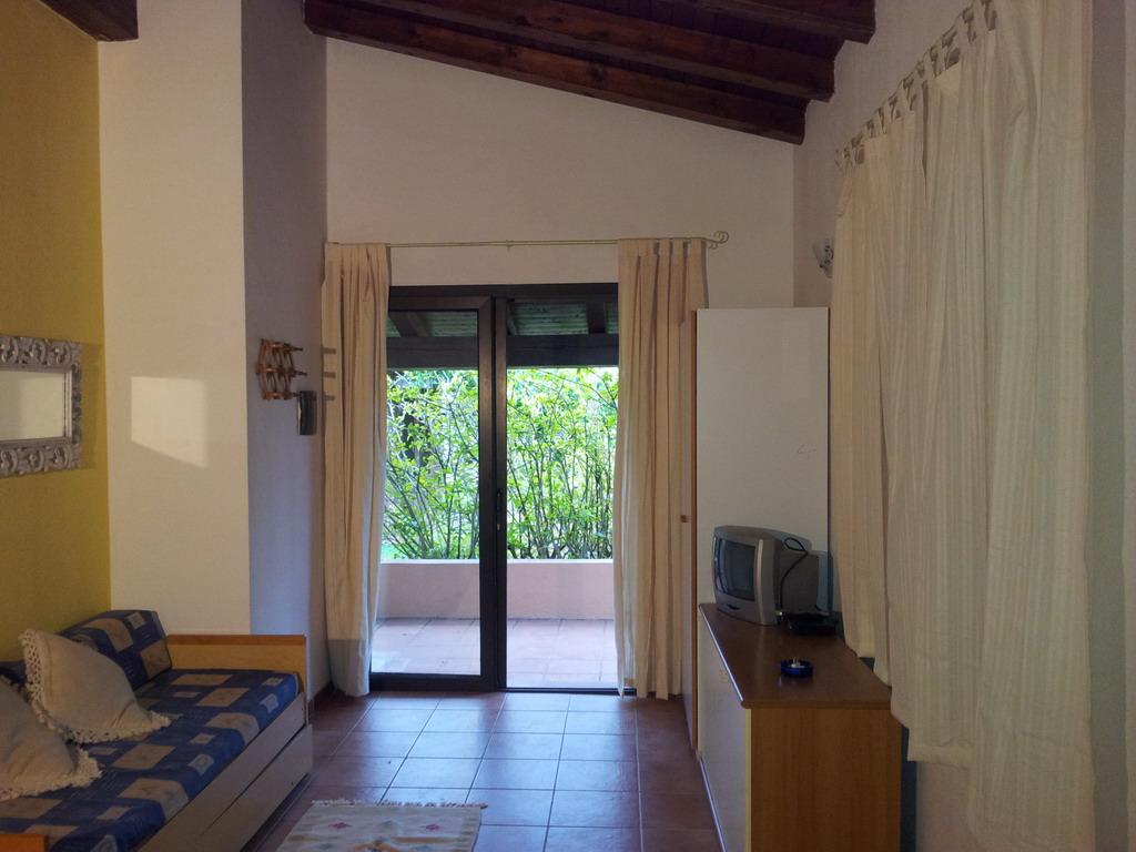Двухкомнатные Апартаменты 5 в Резиденции с выходом на пляж в Сан Теодоро