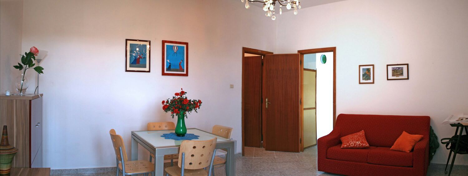 Rent Torregrande 100 meters from the beach
