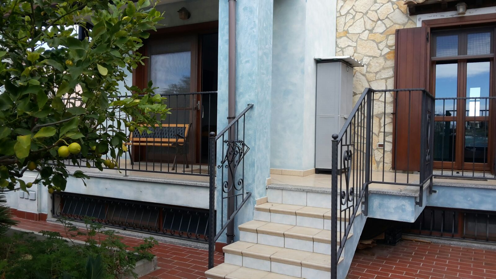 For rent 4 bedroom apartment between Pula beach Nora