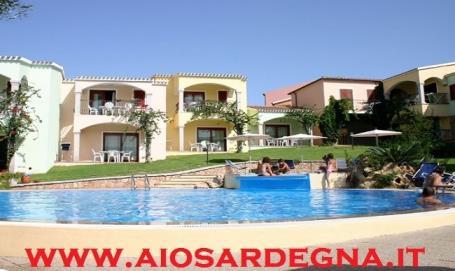 Ferienwohnung urlaub Residenz mit pool Badesi Sardinien Nord