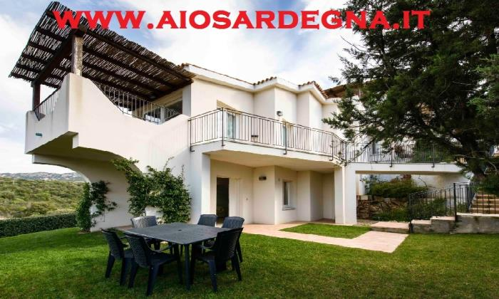 Location vacances Residence avec piscine Appartement Baia Sardinia Olbia Costa Smeralda Sardaigne
