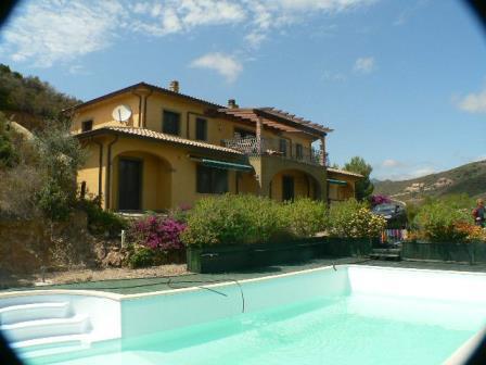 Ferienvilla Panorama mit pool Bucht von Chia, Süd Sardinien
