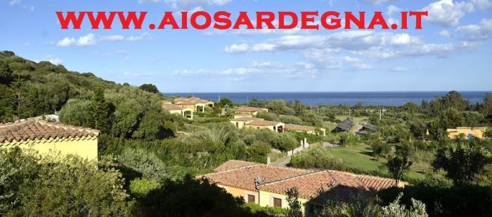 Ferienwohnungen Budoni nord-ost-küste von Sardinien Residenz mit Pool direkt am meer
