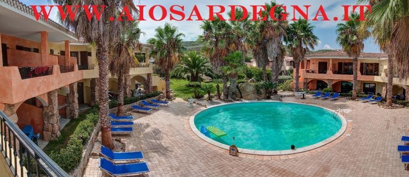 Palau Północnej sardynii, wynajem residence apartamenty nad morzem z basenem, plac zabaw dla dzieci
