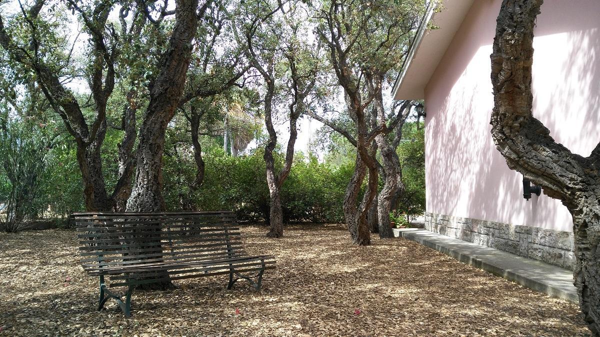 Willa S'oru und Canu auf ZGrüne Ansicht von Pula Sardinien