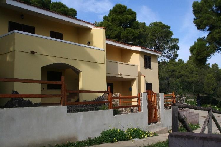 Апартаменты Б4 в Порто Пино, Сардиния