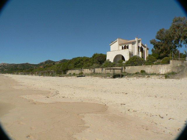 Вилла на Пляже Перла Марина в Санта Маргарита ди Пула