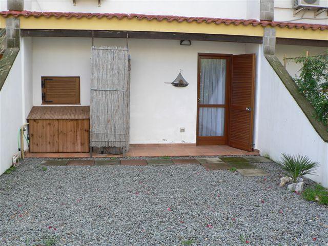 Вилла Марко поло 2 с садом в 150 метрах от моря Порто Колумбу