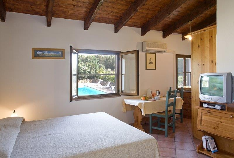 Holiday Studio with pool in the countryside Alghero sardinia