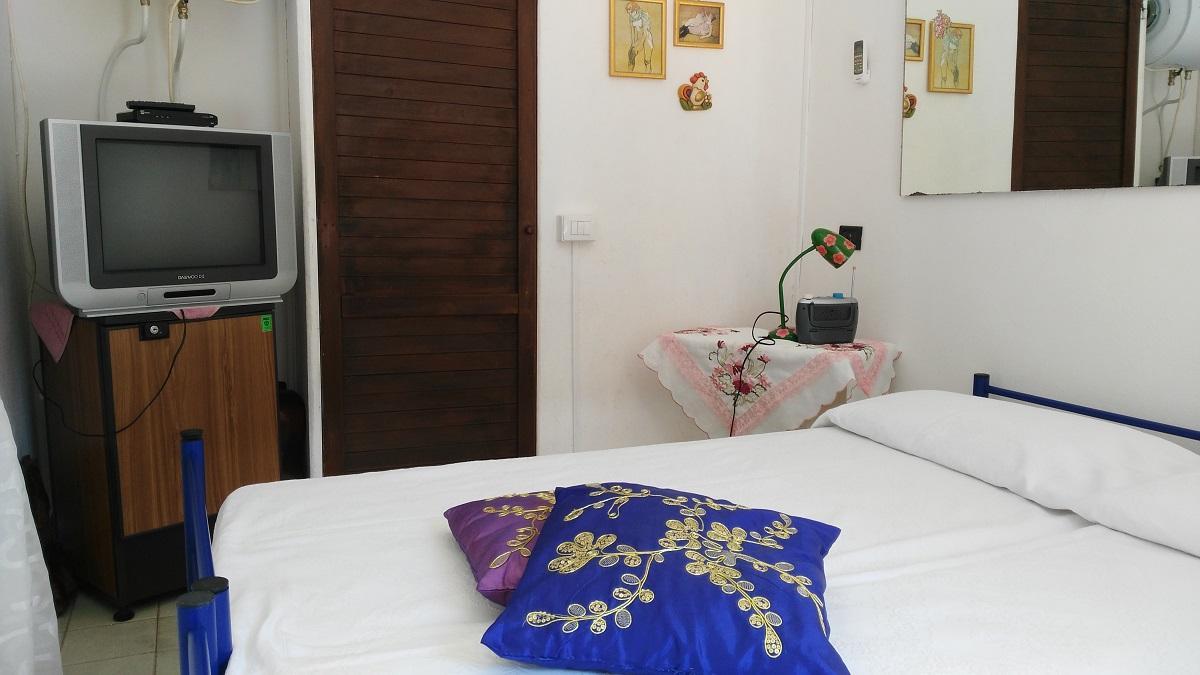 Дом на Пляже Норы + Однокомнатный домик 9 спальных мест Пула Сардиния