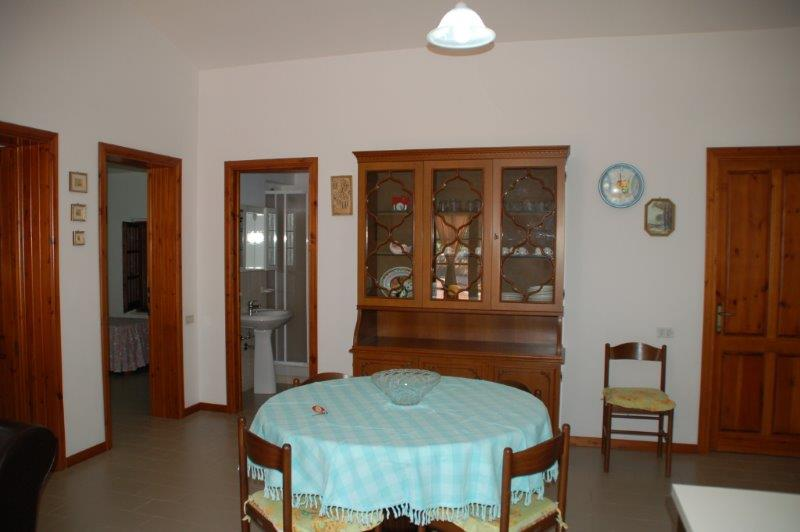 Willa Porto Pino 1 piętrze apartamenty wakacja