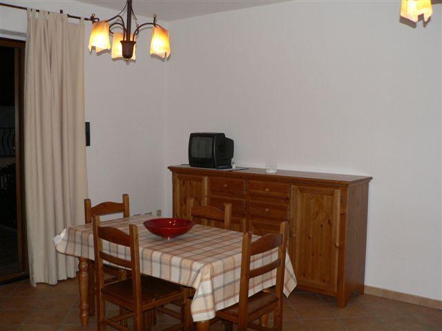 Dom Тонина 2 mieszkania w Badesi