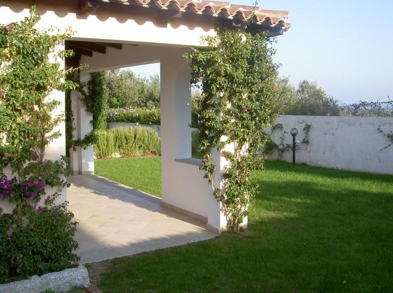 Villa holidays San Teodoro 800m beach 11 pax