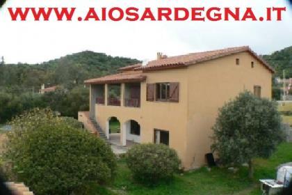 Bilo Chia Village Casa Vacanza al piano terra con giardino