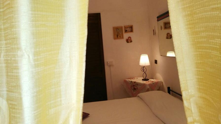 Vacation rental in Sardinia Ratings South Sardinia Pula Studio facing the sea on the beach of Nora