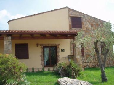 Quadrivano per vacanze in famiglia in Residence con piscina ad Alghero
