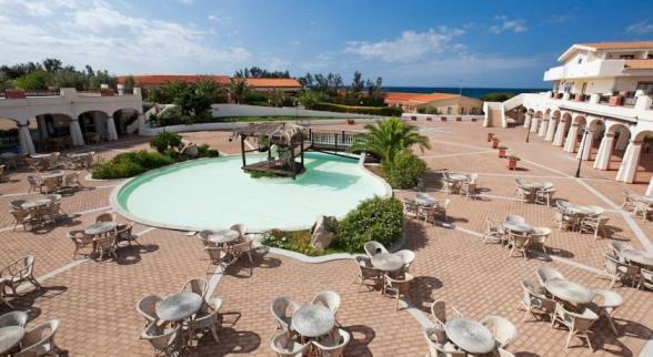 Bilocale in Residence con piscina sulla spiaggia Marina di Sorso