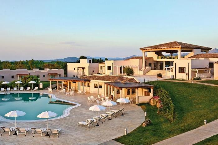 Village Grande Baia 4 Stelle San Teodoro Pacchetto Volo + Hotel