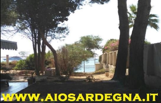 Casa de vacaciones frente a la playa Pula sur de Cerdeña