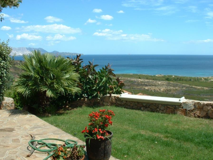 Villa Claudio Vista mare 300 m dalla spiaggia San Teodoro