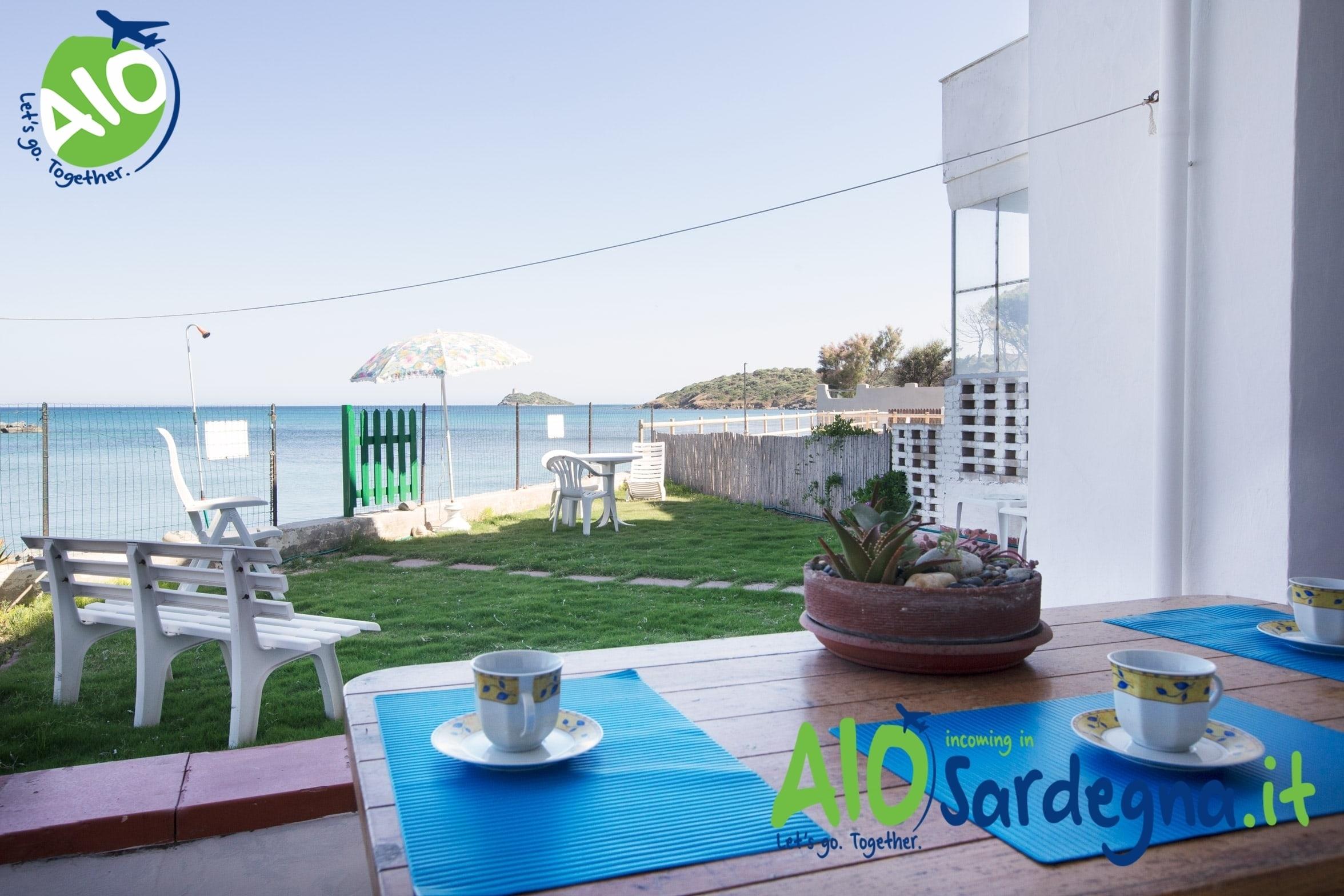 Vacation rental Villa facing the sea beach Perd'e Sali, Pula, sardinia