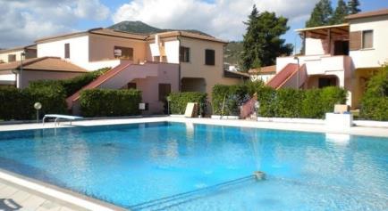 Residence Appartamenti San Teodoro 4 con piscina