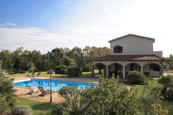 Villa holiday with pool Residence luxury Alghero