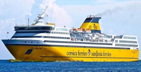 Sardinia e Corsica Ferries Traghetto per la Sardegna da Livorno per Golfo Aranci vicino Olbia