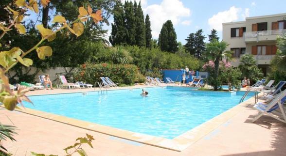 Bilocale in Residence ad Alghero vicino alla spiaggia Maria Pia con piscina e wifi